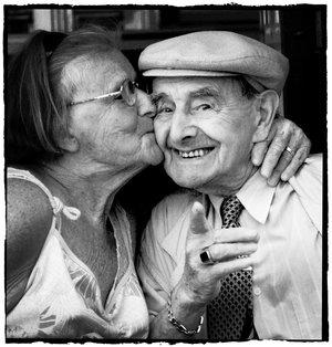 Cute_old_couple_by_Gurbz